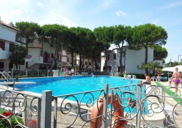 vendita appartamento con piscina a rosolina mare