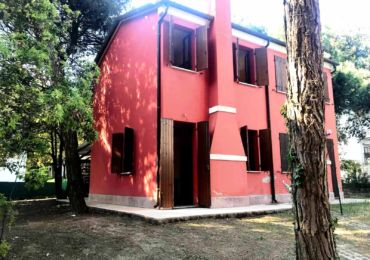Villa in affitto per le vacanze estive a rosolina mare, Rosolina villa con giardino per Vacanze, Estate vacanze a rosolina mare.