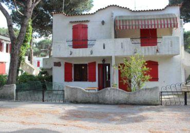 Affitto: a Rosolina Mare appartamento al piano terra con giardino privato, in un contesto tranquillo,  vicinissimo alle spiaggie.