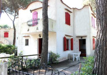 In affitto a Rosolina Mare appartamento trilocale con giardino
