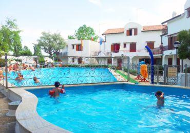Rosolina mare appartamenti trilocali con piscina