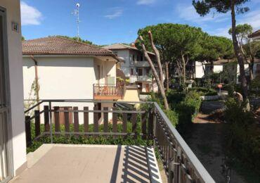 vendita appartamento trilocale con giardino privato rosolina mare