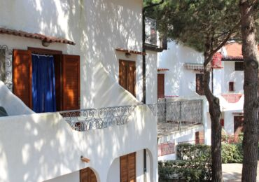 Vacanze a Rosolina mare-in affitto appartamento Bilocale in residence con piscina 150 m. dal mare .Appartamento per vacanze
